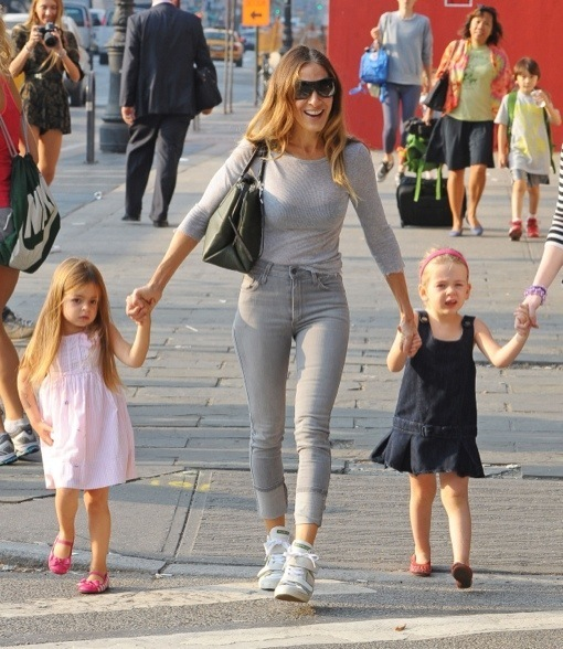 6 Times SJP Nailed The 'Mom' Look